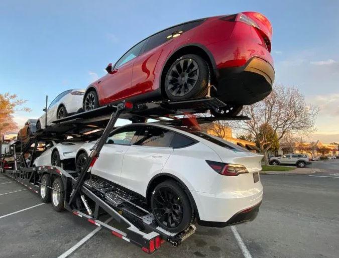 Tesla Model Y, dostawy do klientów