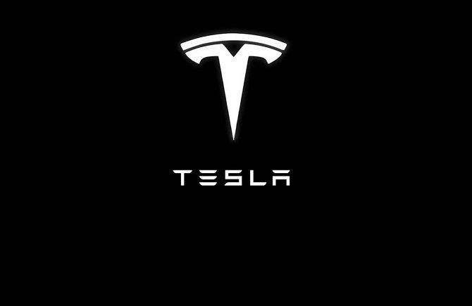 tesla, tesla w wielkiej brytanii, tesla jako dostawca prądu w uk, tesla magazyny energii