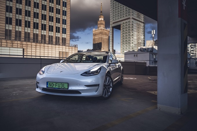 Tesla Model 3 Wynajem warszawa, NO FUEL, N0 FU3L 2020, tesla 2020 polska, tesla do ślubu, tesla jazda próbna, tesla przejażdżka