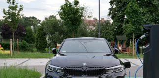 BMW 330e 2020 test, recenzja, opinie, czas ładowania, zasięg, moc ładowania, ładowarka, elektromobilność, samochody elektryczne, BMW, hybrydowe BMW
