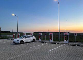 tesla supercharger lućmierz, tesla, supercharger, lućmierz, v2, v3, supercharger w centrum polski, supercharger przy autostradzie a1 i a2